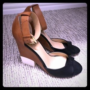 Express wedge sandals size 8